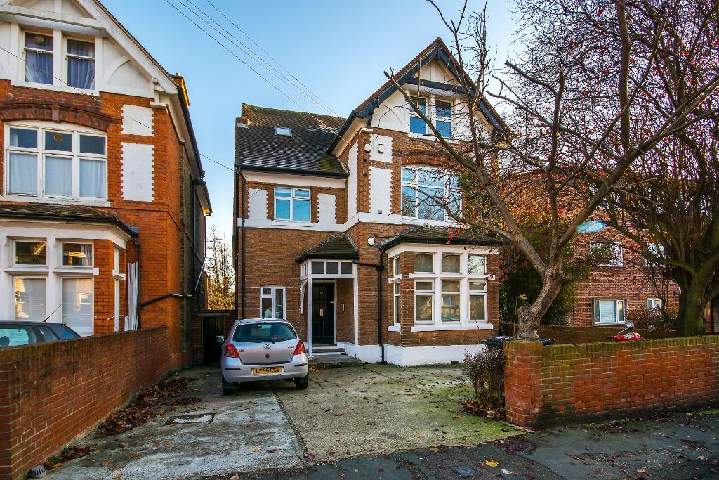 Babington Road, Streatham, SW16 6AN